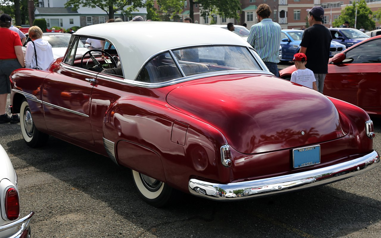 1951_Chevrolet_Deluxe_Bel_Air_HT_Coupé.jpg